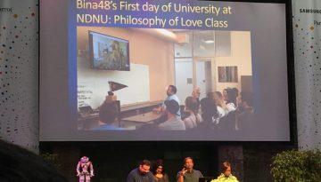 Bina48 robot enrolls in college class